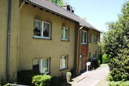 hwg - Direkt im Grünen gelegene 3 Raum Wohnung mit Tageslichtbadezimmer!