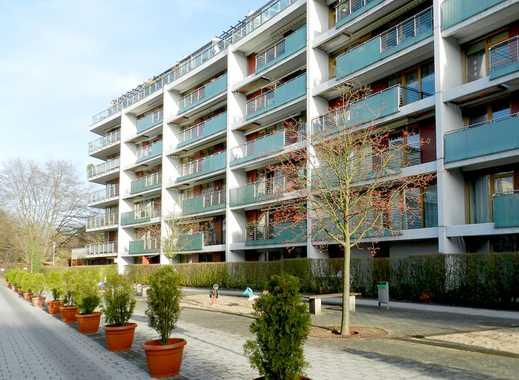 Alstertal! Schicke Wohnung mit Balkon und Wintergarten