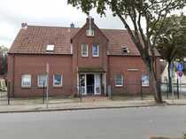 Modernes Rotsteinhaus mit 4 Wohnungen