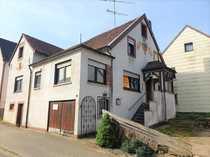 Teilmodernisiertes Ein-bis Zweifamilienhaus mit kleinem