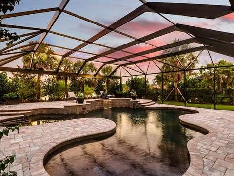 Türen Für Außenküchen : Aussergewöhnliches haus mit pool und aussenküche