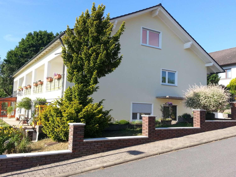 Helle 1-Zi-Wohnung im Grünen, saniert,  großer Süd-Westbalkon in