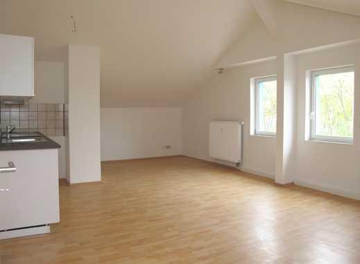 Neue Einbauküche - helle Zimmer - direkt am S-Bahnhof