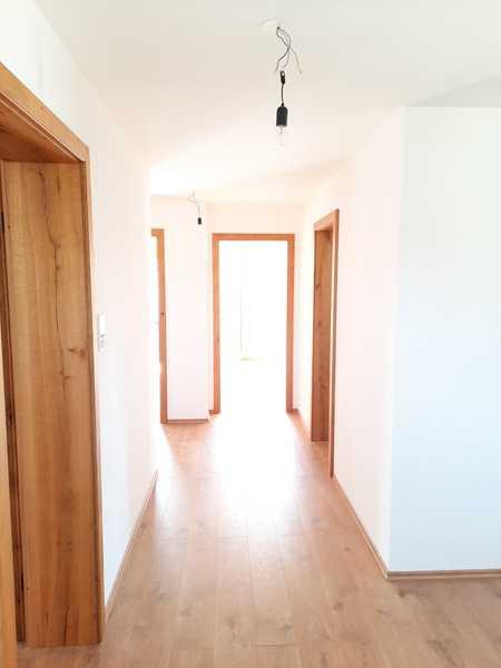 Erstbezug 3-Zimmer-Wohnung in Pliening in Pliening