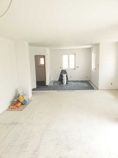 Erstbezug mit Terrasse: schöne 2-Zimmer-EG-Wohnung in Wolframs-Eschenbach in Wolframs-Eschenbach