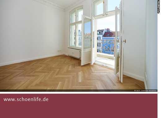 Sonniger Altbau mit Balkon in Mitte!