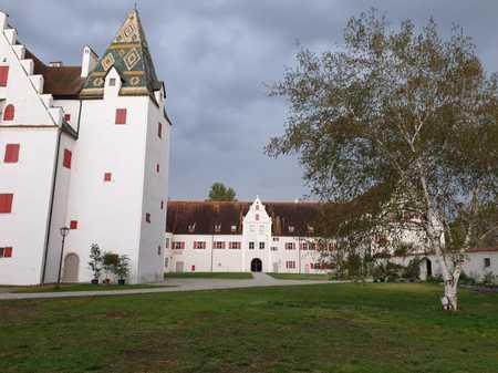Exklusive Wohnung im historischen Renaissance Jagdschloss Grünau bei Neuburg zu vermieten in Neuburg an der Donau