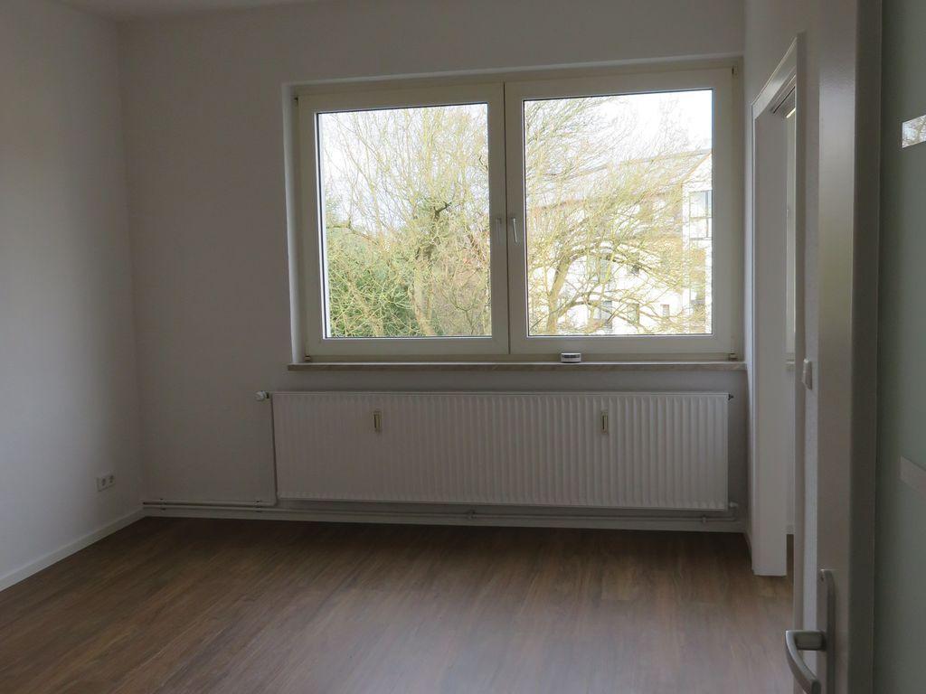 exklusive vollst ndig renovierte 1 zimmer wohnung mit. Black Bedroom Furniture Sets. Home Design Ideas