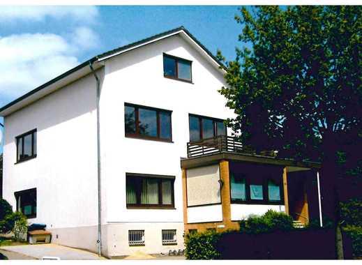 Sonnige modernisierte 3-Zimmer-Wohnung mit Balkon und EBK in Itzehoe