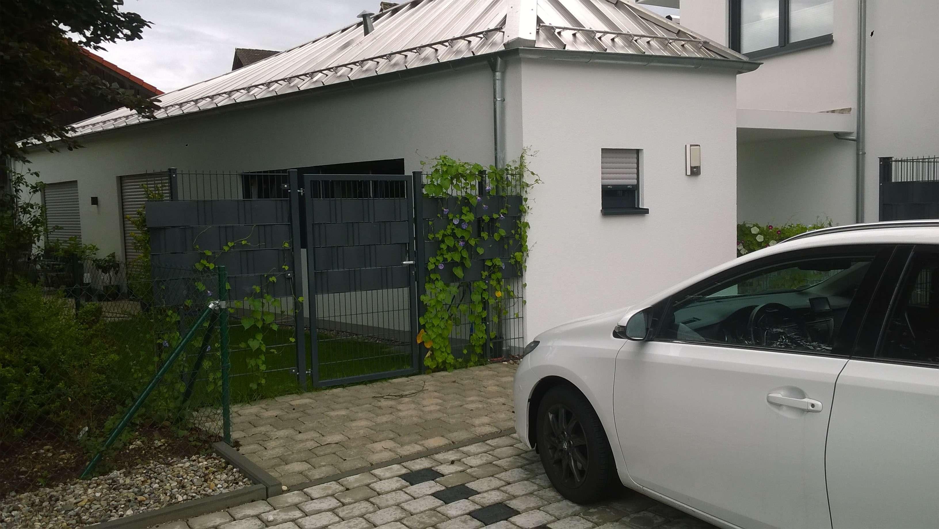 Moderne 2-Zi Wohnung mit EFH Charakter ! - Neuwertig Bj. 2016 - in