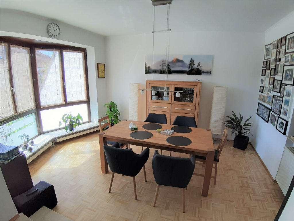 ARNOLD-IMMOBILIEN: Wohnen wie im eigenen Haus - Maisonetten-Wohnung mit Garten