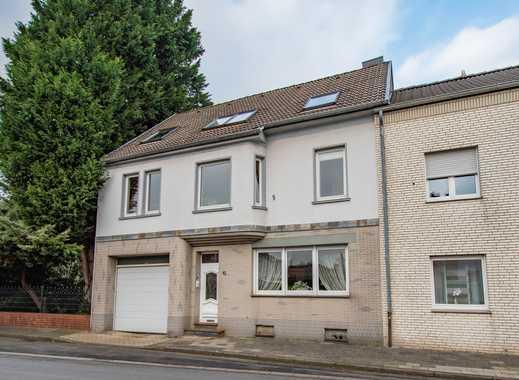 Baesweiler-Beggendorf: Großzügiges Zweifamilienhaus mit Anbau und Garage zum Verkauf!