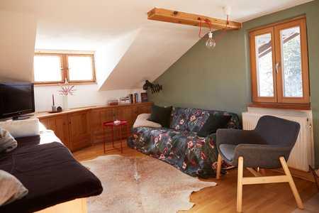 Gepflegte 3-Zimmer-Dachgeschosswohnung mit Balkon und EBK in Fischbachau in Fischbachau