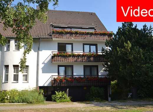 KR-Bockum, Tiergartenstraße: Großzügige Maisonettewohnung mit Balkon, Einbauküche und offenem Kamin