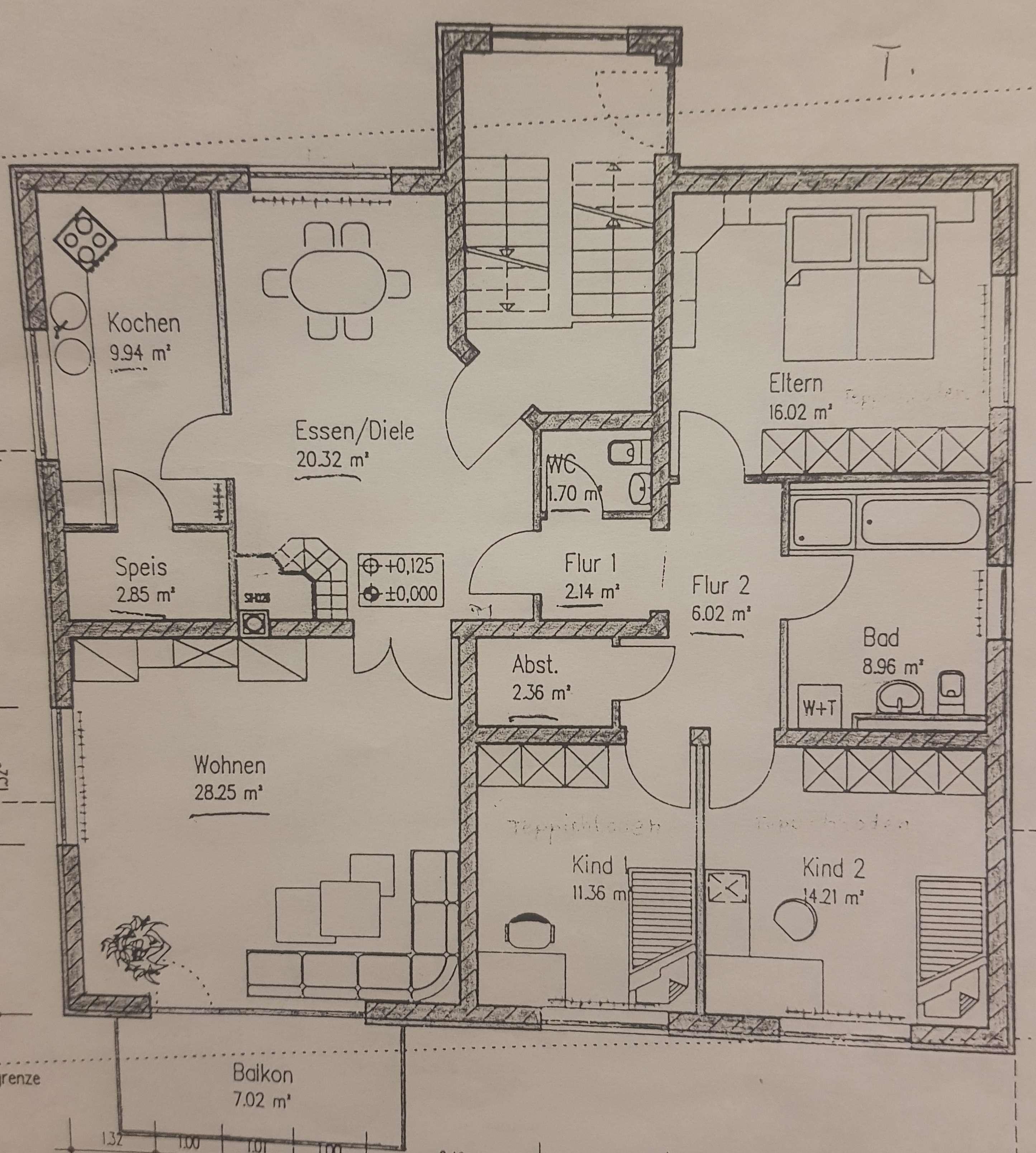 Gepflegte Wohnung mit fünf Zimmern und Balkon in Hettstadt in