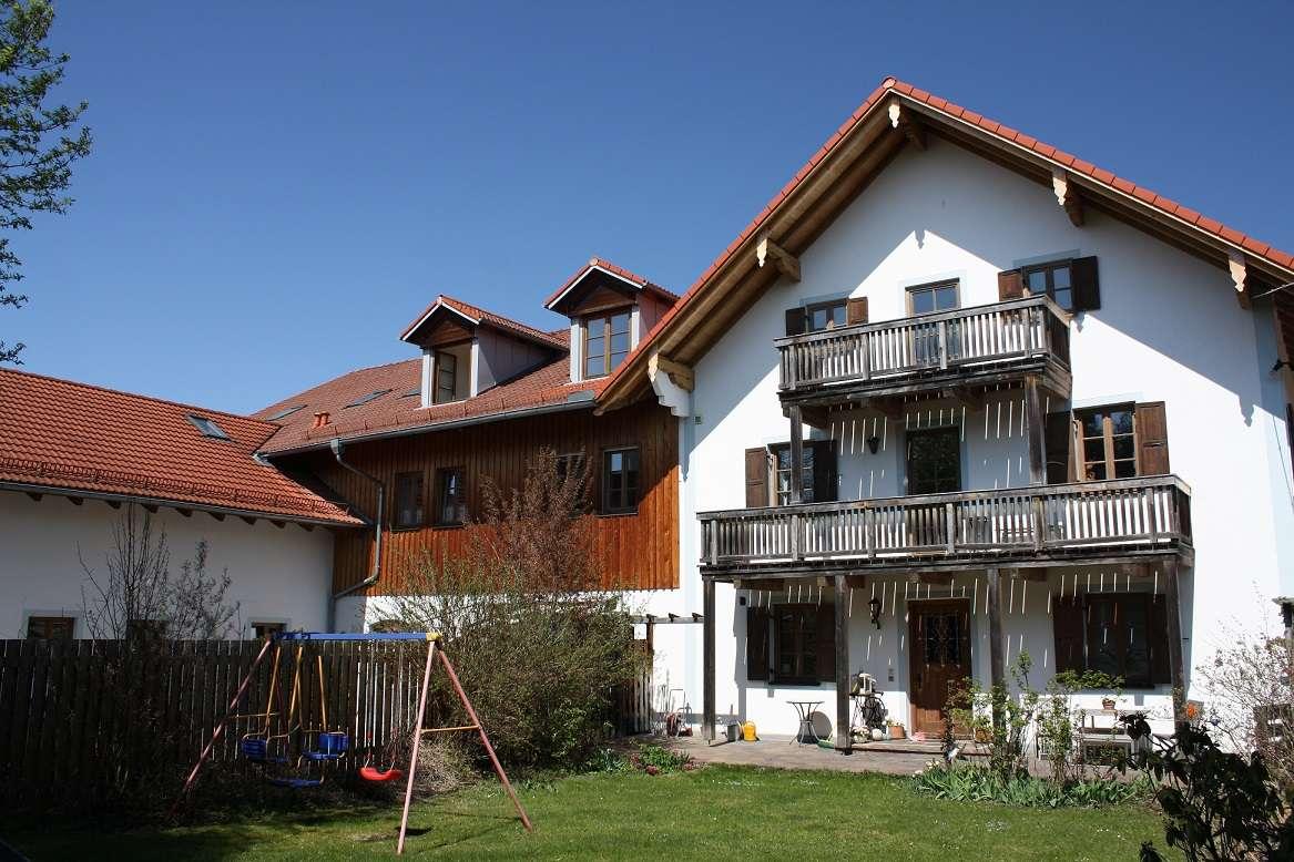 Charmante und großzügige Loftwohnung im Herzen von Sauerlach
