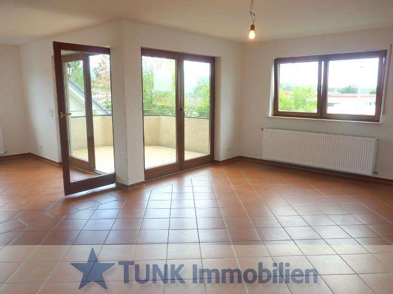 Neu renoviert - 4 Zimmer Wohnung mit 2 Balkonen in Alzenau! in