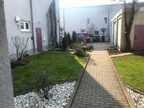 Gewerbefläche mit Büros Lagerfläche Parkplätzen