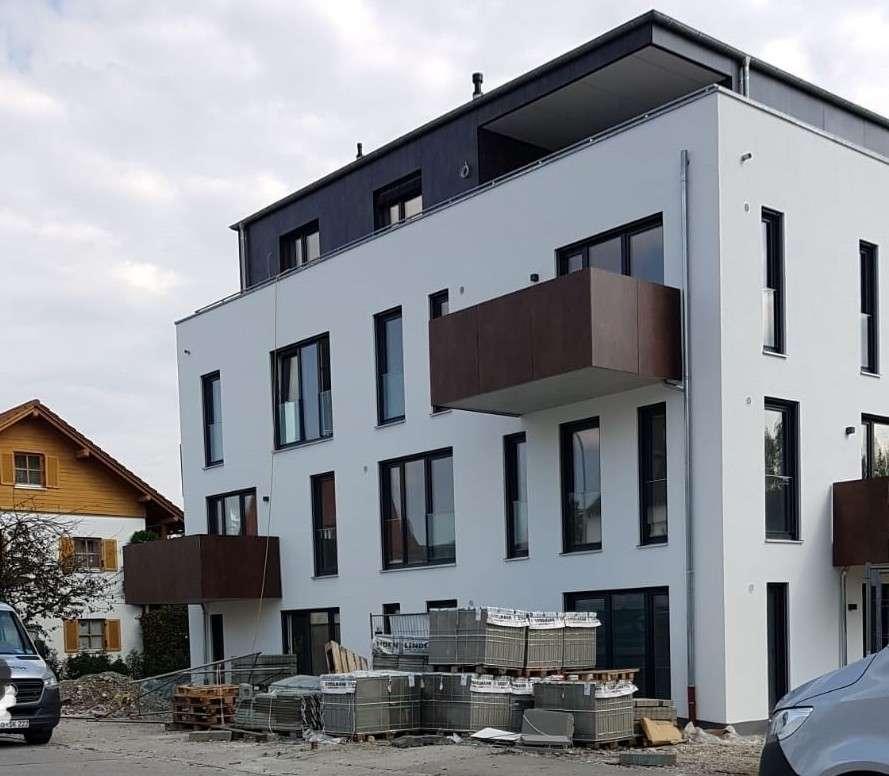 Neue 3-Zimmer-Wohnung mit Balkon in Burghausen zu vermieten in Burghausen