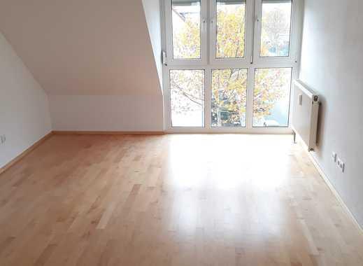 Attraktive 4-Zimmer-Maisonette-Wohnung mit Balkon und Einbauküche in Mannheim