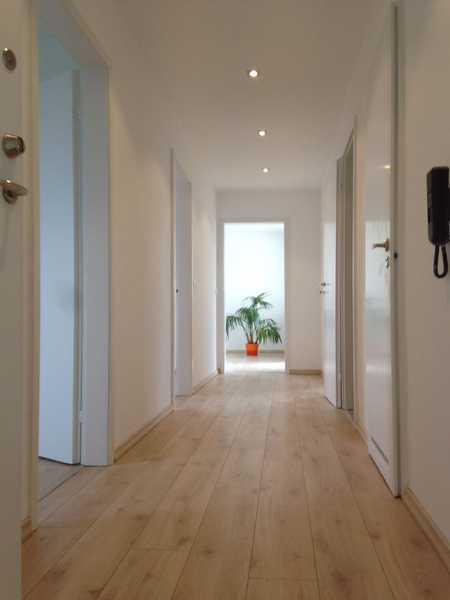 3 Zimmer Wohnung, modernisiert mit gradiosem Blick in Hochfeld-Steinberg (Schweinfurt)