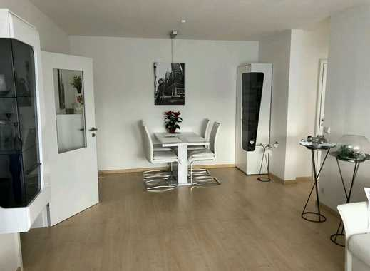 Exclusive furnished newly renovated 2.5 room apartment in Sachsenhausen with parking & storage room
