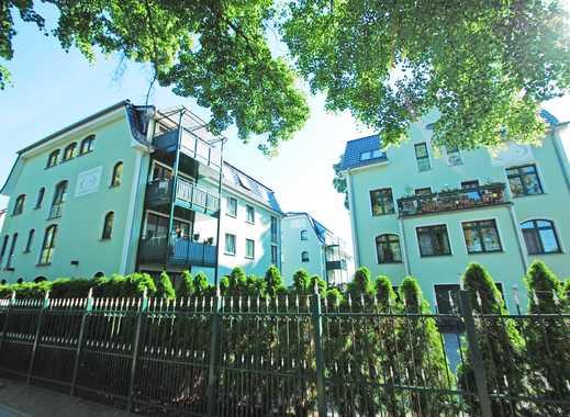 Mondänes Wohnhaus-Ensemble - Neubau & Kernsanierung 2010 - am Stadtrand von Berlin - Share Deal