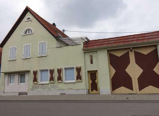 Hofreite mit 2-Familienhaus und großer Scheune! Großes Entwicklungspotential!