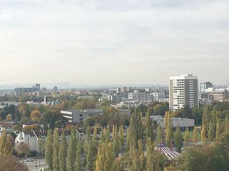 Über den Dächern Münchens in Bogenhausen (München)