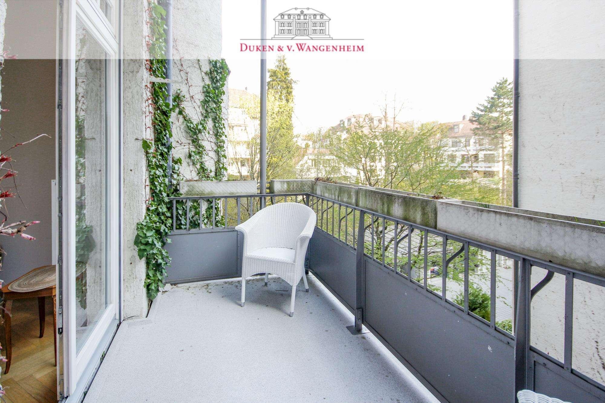 Klassische teilmöblierte  Jugendstil Wohnung im Herzogpark