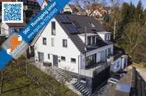 Bild Neuwertige moderne Doppelhaushälfte mit Doppelgarage im Haus