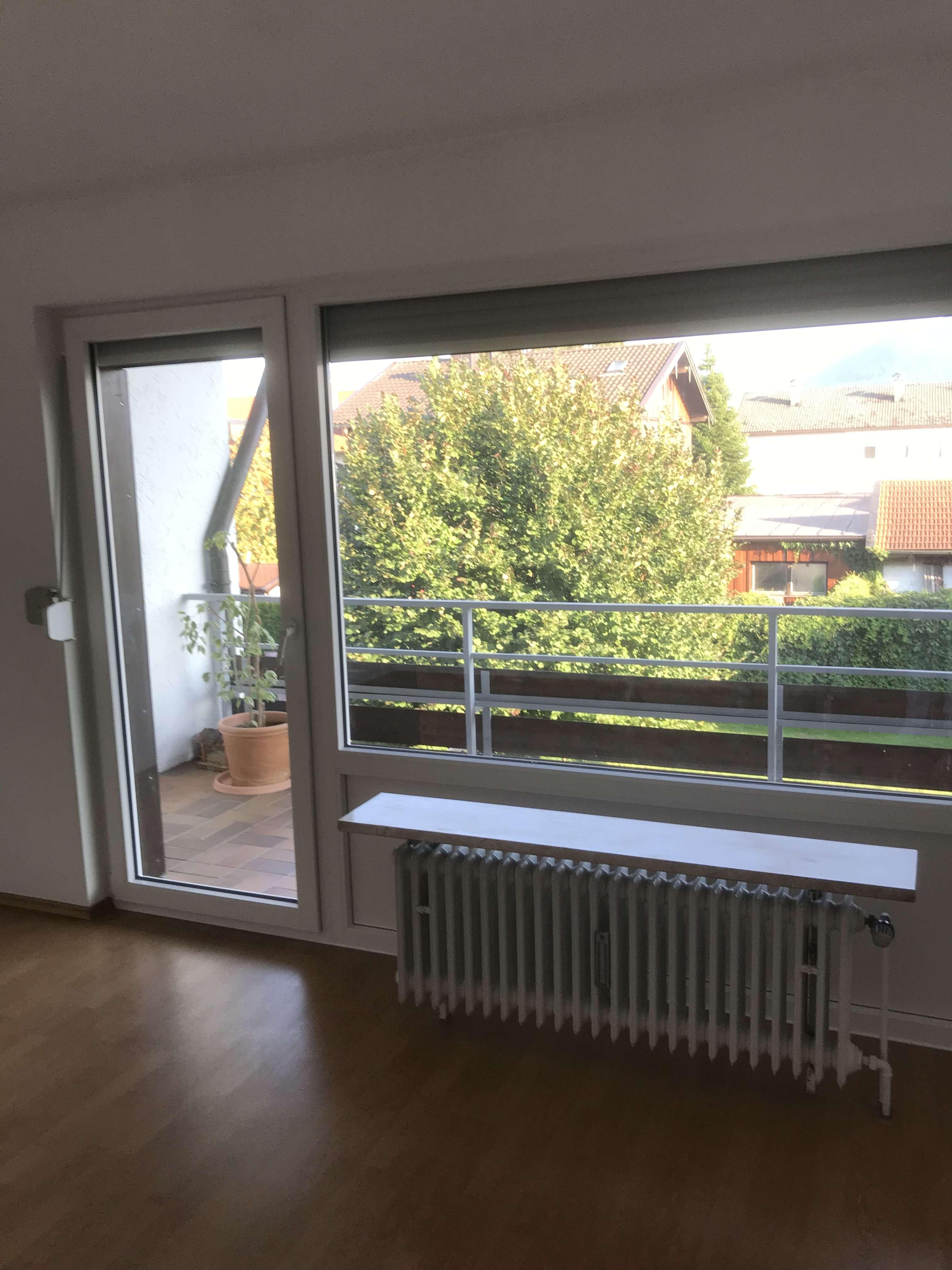 3-Zimmer-Etagen-Wohnung mit kl. neuw. Bad, WC extra und Südloggia. - max. 3 Personen in