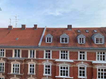 Top saniert: Sonnige 3-Zimmer-Altbauwohnung Maxvorstadt! in Maxvorstadt (München)