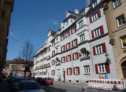Augsburger Innenstadt: Hochwertig sanierte Wohnung !