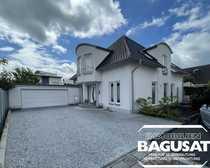 Großzügiges Einfamilienhaus mit Doppelgarage