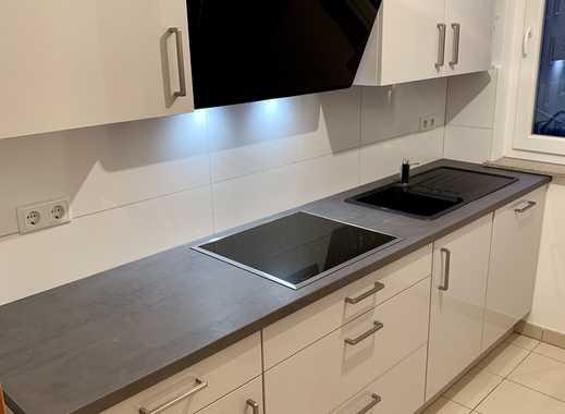 67m² D-Derendorf kompl. renov. - neue Einbauküche! - sehr hell - gute Raumaufteilung -Lift - Balkon