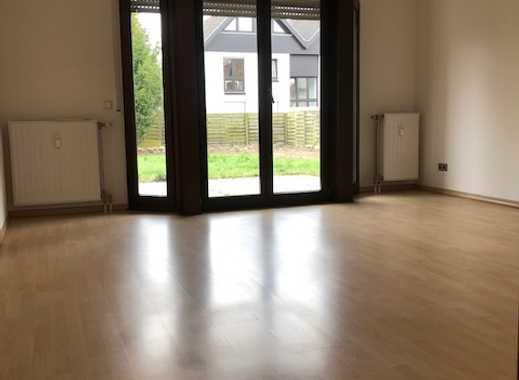 Top-Lage Müngersdorf mit Garten! Schöne, neu renovierte 2-Zimmer-Wohnung