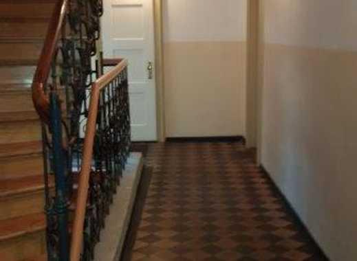 ruhige Altbauwohnung Westend 2 Zimmer, 58qm, Gründerzeitgebäud