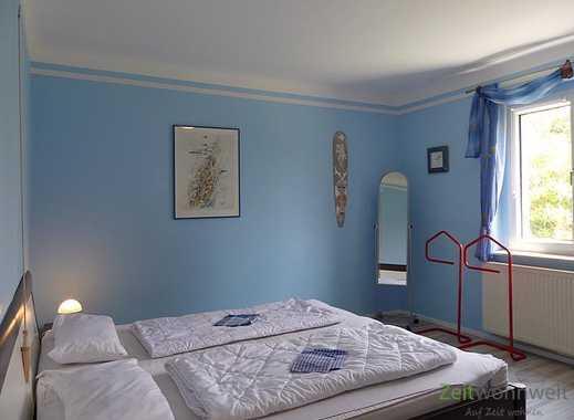 Dresden: Gönnsdorf, bunte möblierte 2-Zimmer-Wohnung in ruhiger Seitenstraße, WLAN inklusive