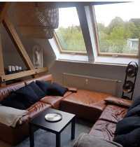 Dachgeschosswohnung im Dichterviertel mit Einbauküche