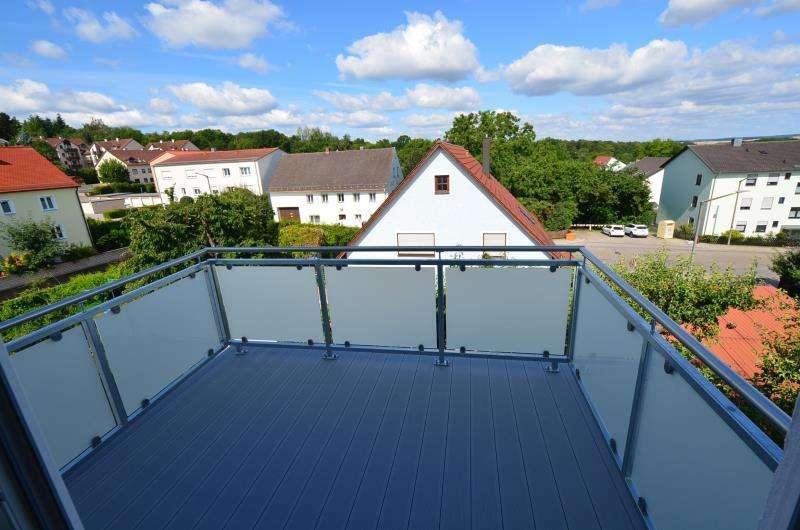 Keine WG!Sanierte 2-Zimmer-DG-Whg. mit Einbauküche u. Westbalkon in Regensburg Süd, Ziegetsdorf