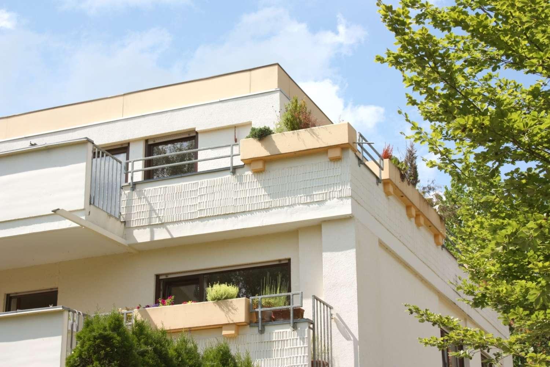 Nur wenige Schritte zum See: 3-Zi-Dachterrassen-Wohnung in Herrsching am Ammersee in Herrsching am Ammersee (Starnberg)
