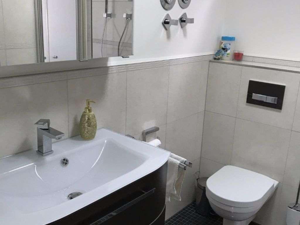 Exklusive, vollständig renovierte 2-Zimmer-Wohnung mit EBK in Maxvorstadt, München in Maxvorstadt (München)