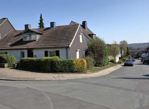 Ca. 390 m² großes Baugrundstück mit Altbestand in ruhiger Siedlungslage nahe des Heisinger Dorfkerns