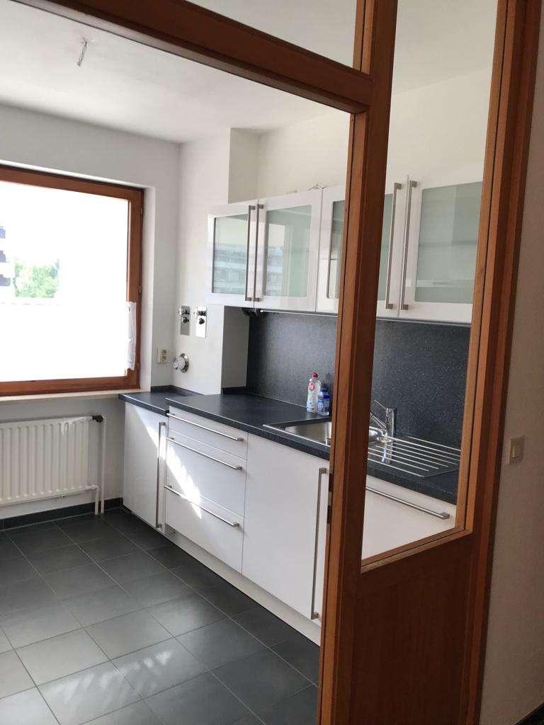 Helle, gemütliche 2,5-Zimmer-Wohnung mit Balkon und Einbauküche in Augsburg-Göggingen in Göggingen