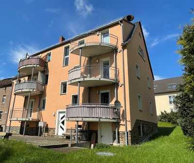 Ruhiges Wohnen in renovierter 3-Zimmer-Wohnung mit Balkon