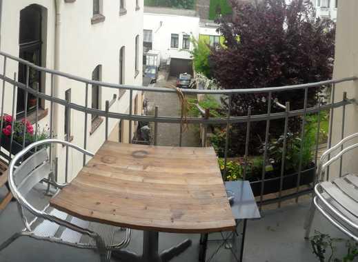 ZWISCHENMIETE - Wunderschöne 3 Zi Altbau-Wohnung mit Balkon für den Sommer zu vermieten
