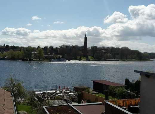 Traumwohnung mit Dachterrasse direkt am Malchower See!