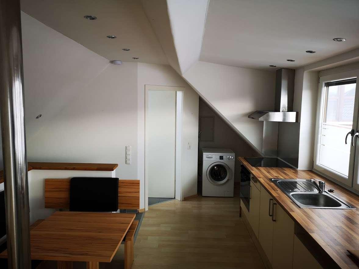 Schöne moderne, möblierte, geräumige ein Zimmer Wohnung nähe Freising , Gem. Kranzberg - Dorfacker