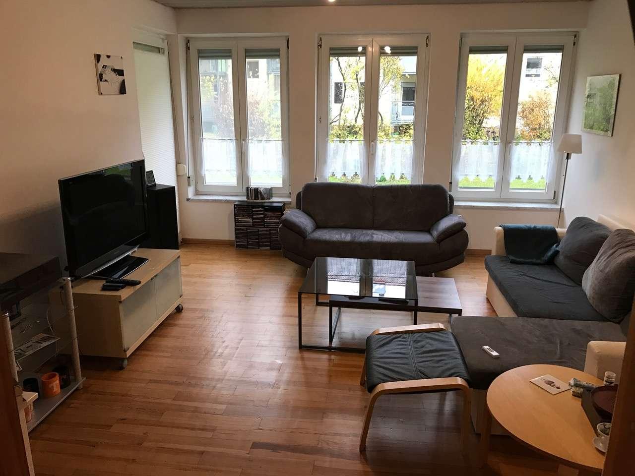 Geschmackvolle 2,5-Raum-EG-Wohnung mit Balkon und Einbauküche in Erlangen in